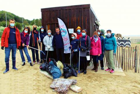 Beach CleanUp Day 2020 - Total Lubmarine team.