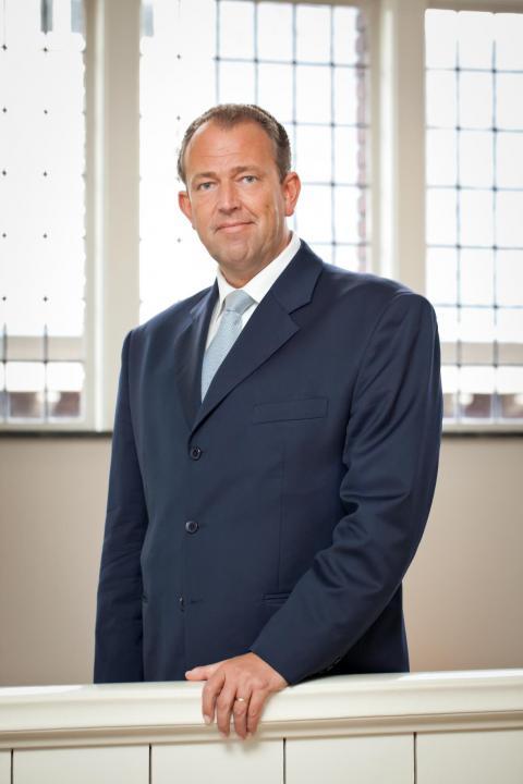 Robert JOORE - General Manager Total Lubmarine