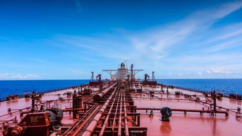 Total to charter its first two LNG-powered tankers